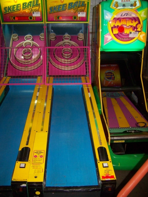 Lot 147 - SKEEBALL TOO! ALLEY ROLLER REDEMPTION GAME