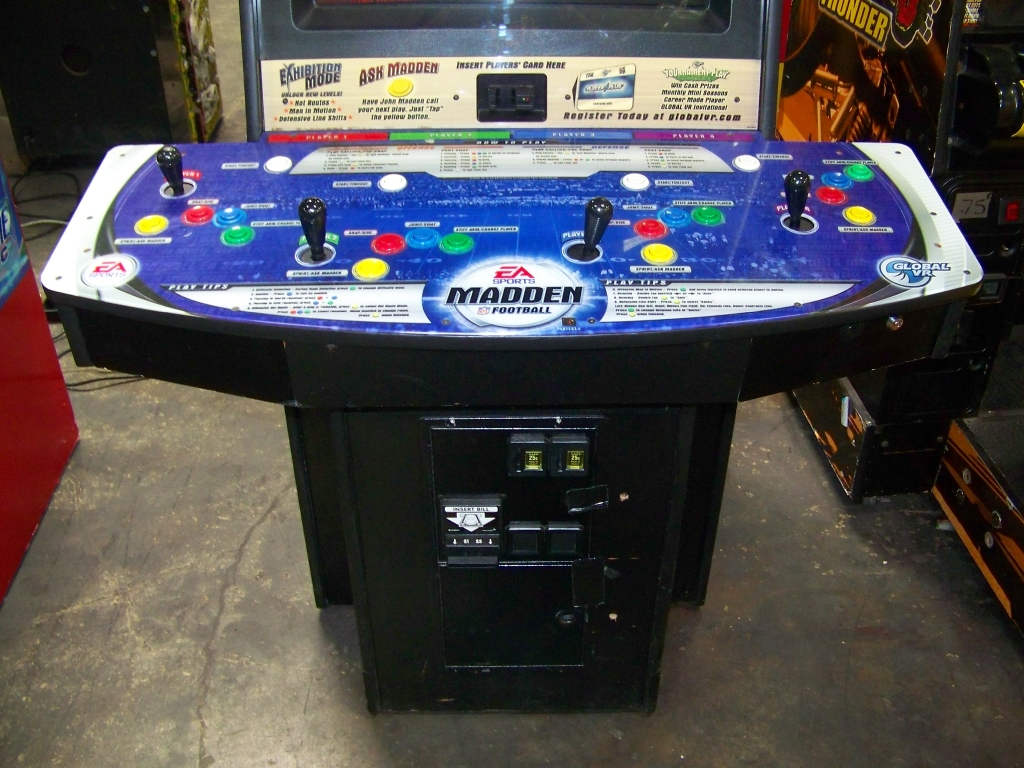 Lot 135 - MADDEN FOOTBALL EA SPORTS ARCADE GAME 4 PLAYER
