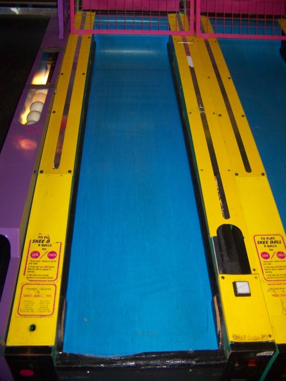 Lot 148 - SKEEBALL TOO! ALLEY ROLLER REDEMPTION GAME