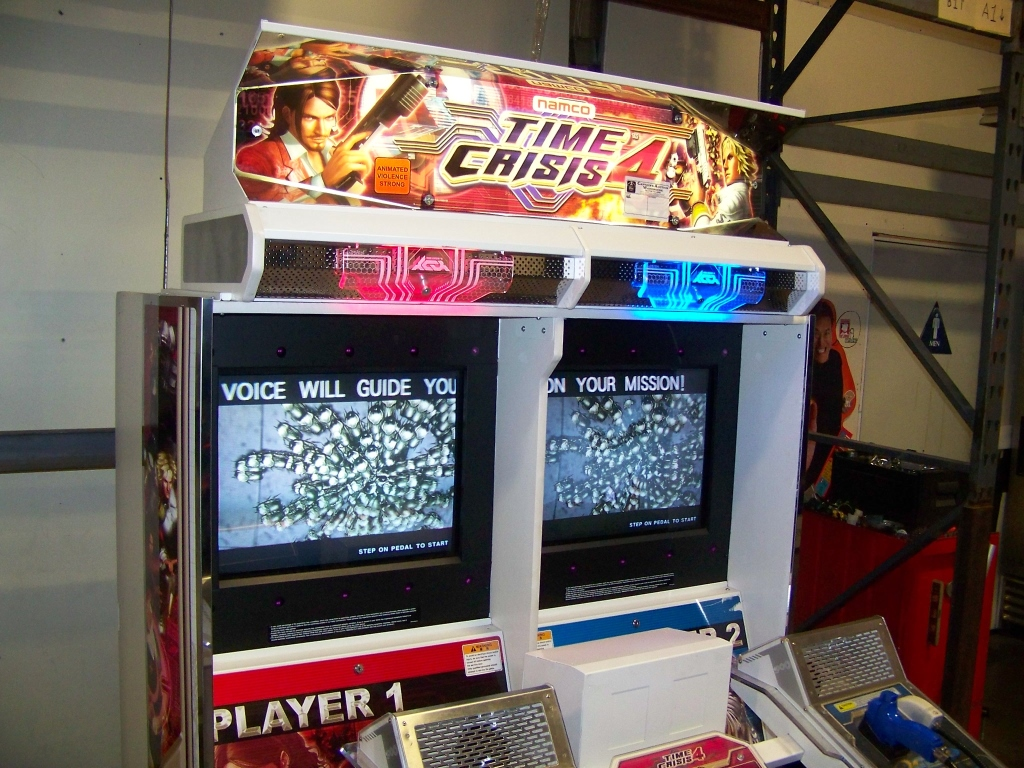 Lot 125 - TIME CRISIS 4 TWIN SHOOTER ARCADE GAME NAMCO
