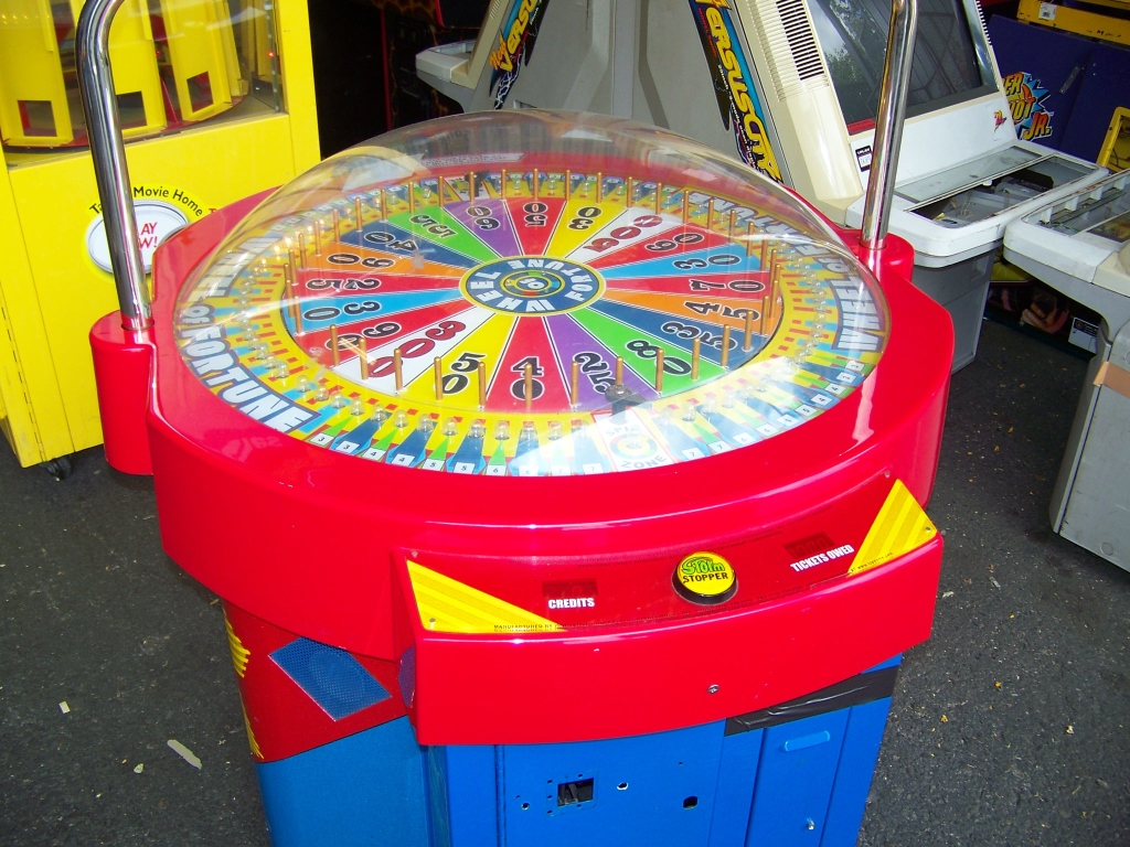 Lot 149 - WHEEL OF FORTUNE TICKET REDMEPTION GAME ICE