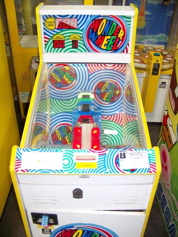 Lot 162 - WONDER WHEEL TICKET REDEMPTION GAME