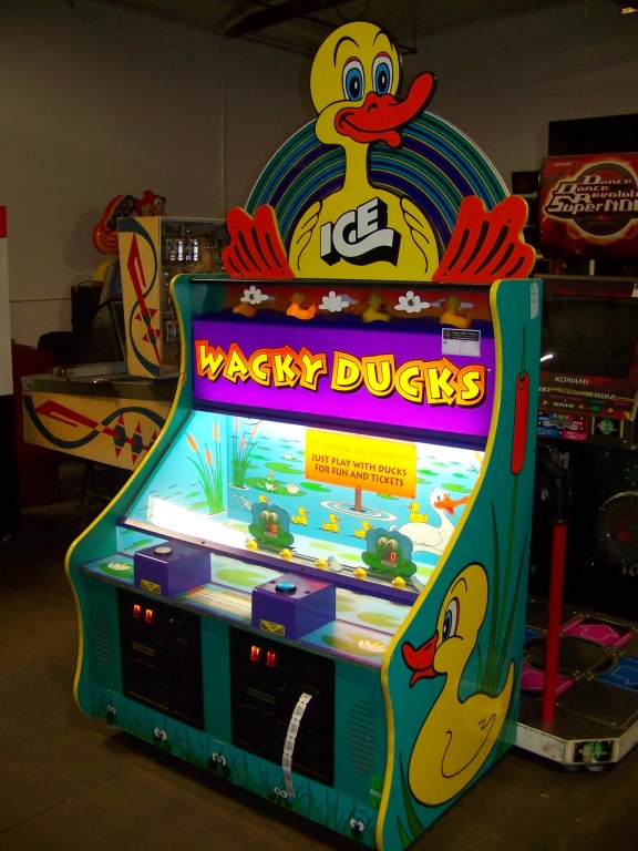 Lot 151 - WACKY DUCKS TICKET REDEMPTION GAME ICE