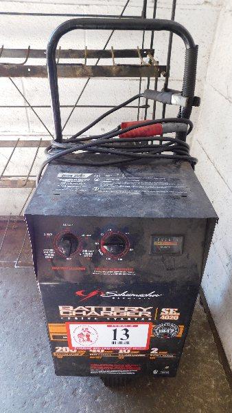 Lot 13 - Schumacker Battery Charger