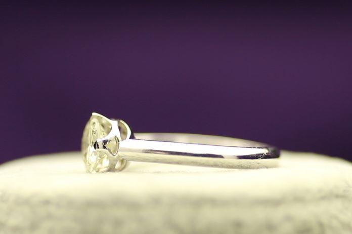 18k White Gold Single Stone Prong Set Diamond Ring 1.20 - Image 2 of 4
