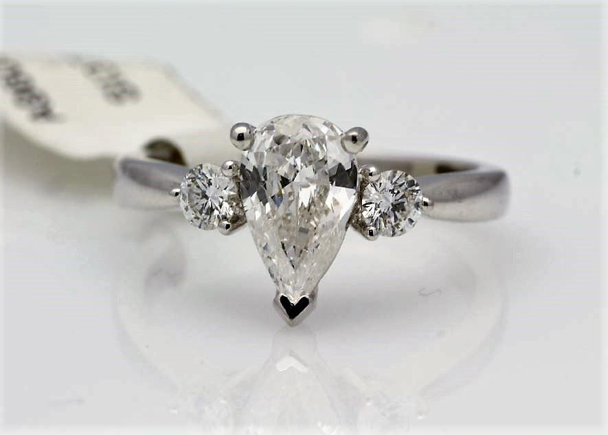 Lot 56 - 18k White Gold Three Stone Claw Set Diamond Ring 1.19