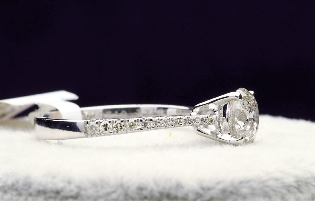 18k White Gold Single Stone Prong Set With Stone Set Shoulders Diamond Ring 1.37 - Image 2 of 4