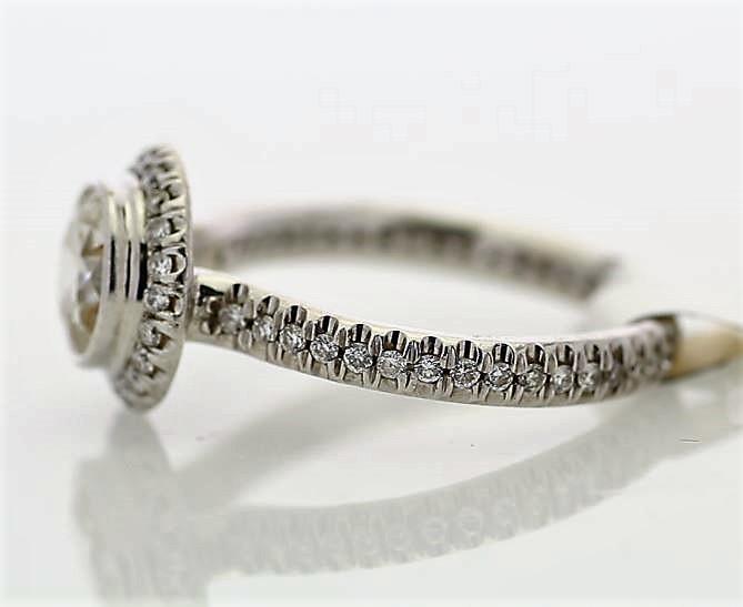 18k White Gold Single Stone With Halo Setting Ring 1.39 - Image 2 of 3