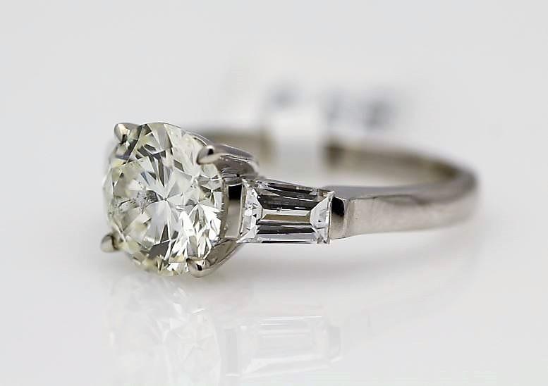 18k White Gold Single Stone Prong Set With Stone Set Shoulders Diamond Ring 2.85 - Image 2 of 3