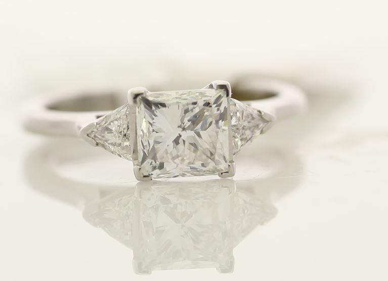 18k White Gold Three Stone Claw Set Diamond Ring 1.74