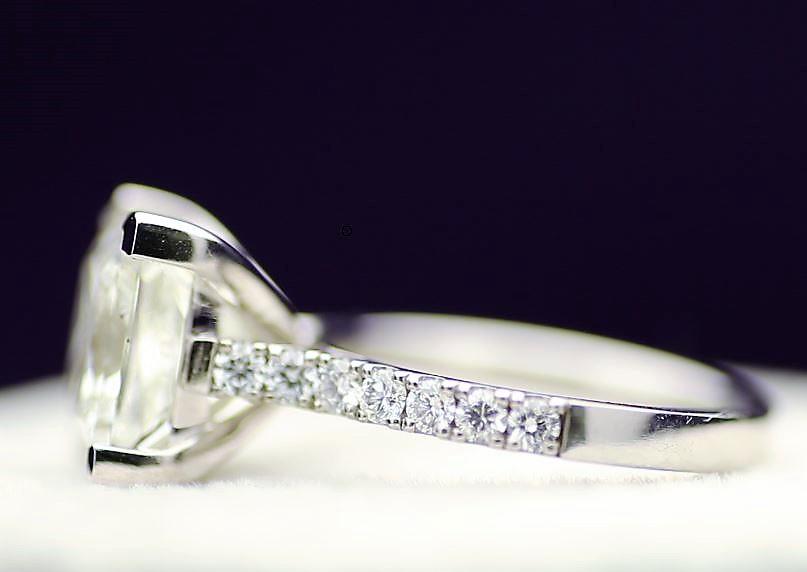 18k White Gold Single Stone Prong Set With Stone Set Shoulders Diamond Ring 5.00 - Image 2 of 3