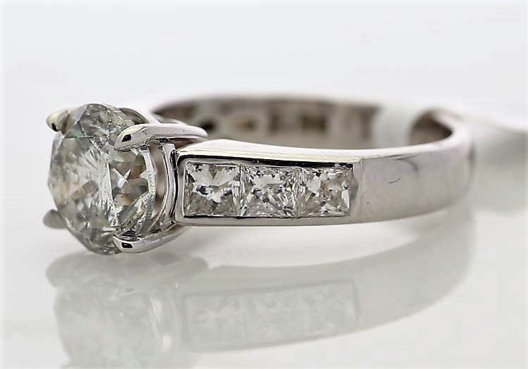 Lot 15 - 18k White Gold Single Stone Prong Set With Stone Set Shoulders Diamond Ring 3.96