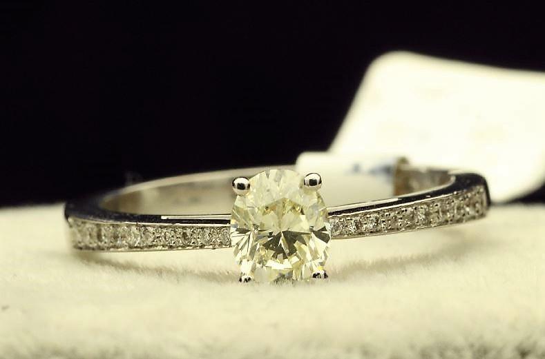 18k White Gold Single Stone Prong Set With Stone Set Shoulders Diamond Ring 0.62