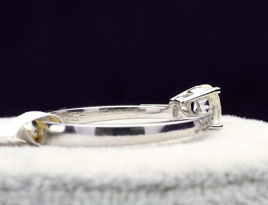 18k White Gold Single Stone Prong Set With Stone Set Shoulders Diamond Ring 0.62 - Image 3 of 4