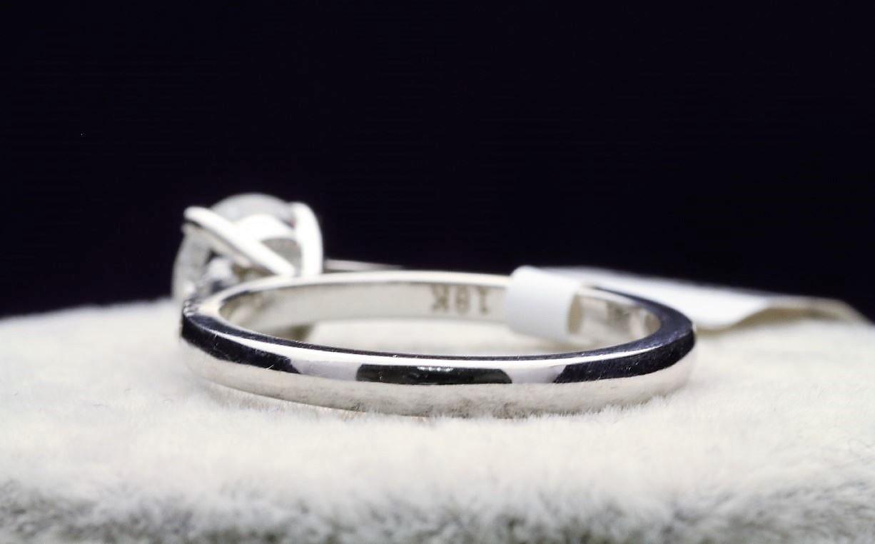 18k White Gold Single Stone Prong Set With Stone Set Shoulders Diamond Ring 1.40 - Image 3 of 4