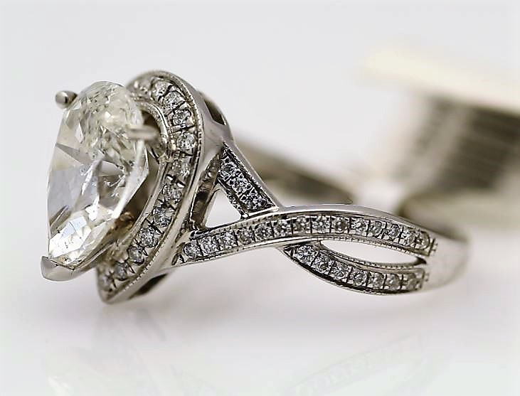 18k White Gold Single Stone With Halo Setting Ring 2.00 - Image 2 of 3