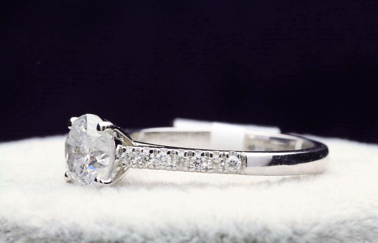 18k White Gold Single Stone Prong Set With Stone Set Shoulders Diamond Ring 1.40 - Image 2 of 4