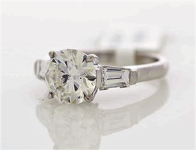 18k White Gold Single Stone Prong Set With Stone Set Shoulders Diamond Ring 2.85 - Image 2 of 3