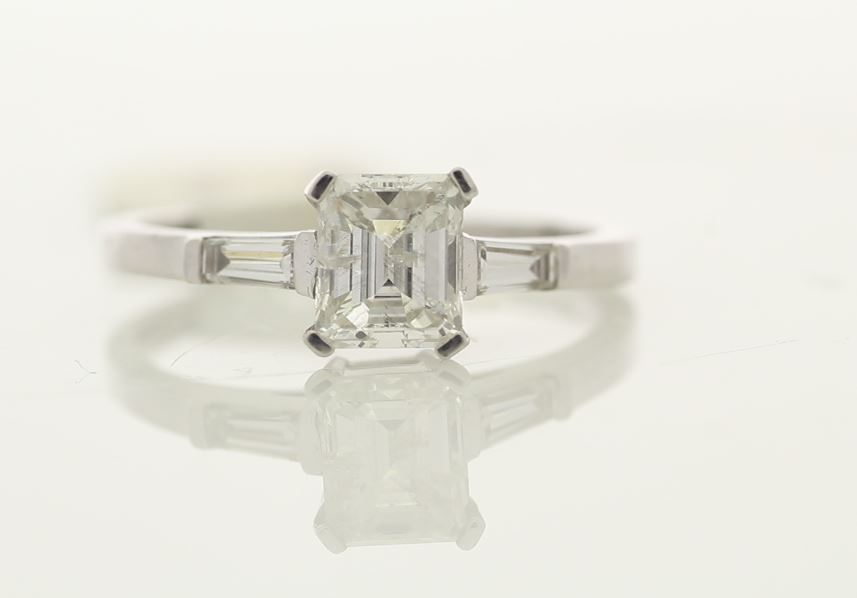 18k White Gold Single Stone Prong Set With Stone Set Shoulders Diamond Ring 1.33