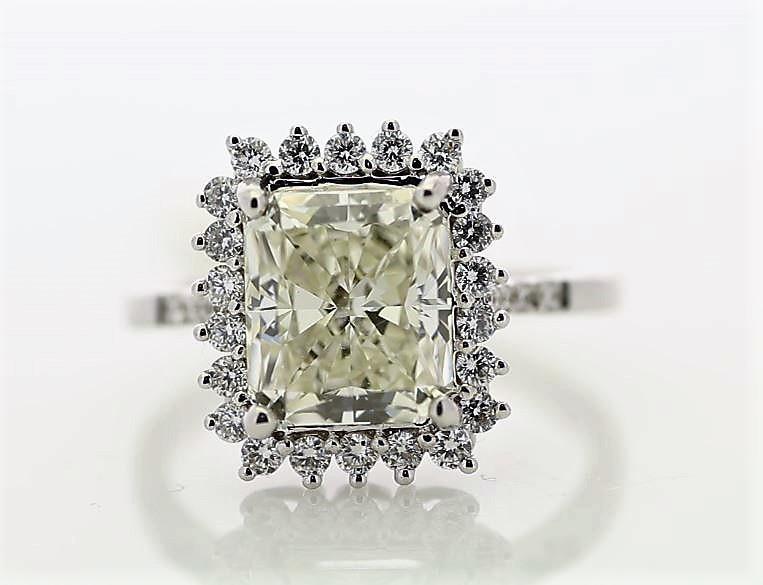 18k White Gold Single Stone With Halo Setting Ring 3.86