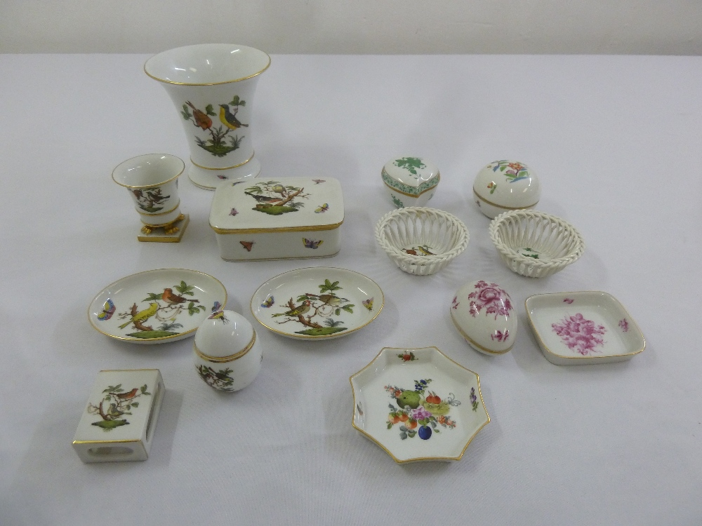 Lot 140 - A quantity of Herend to include Rothschild pattern vases, dishes and a covered box and six other