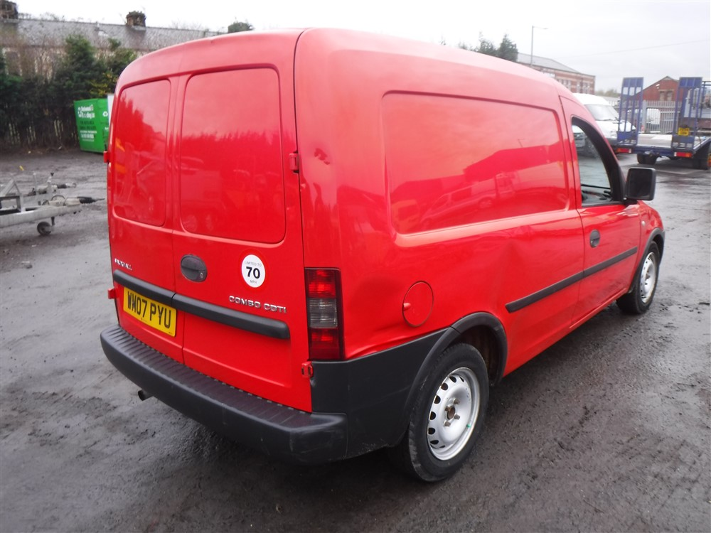 07 reg vauxhall combo 1700 cdti van 1st reg 07 07 test. Black Bedroom Furniture Sets. Home Design Ideas