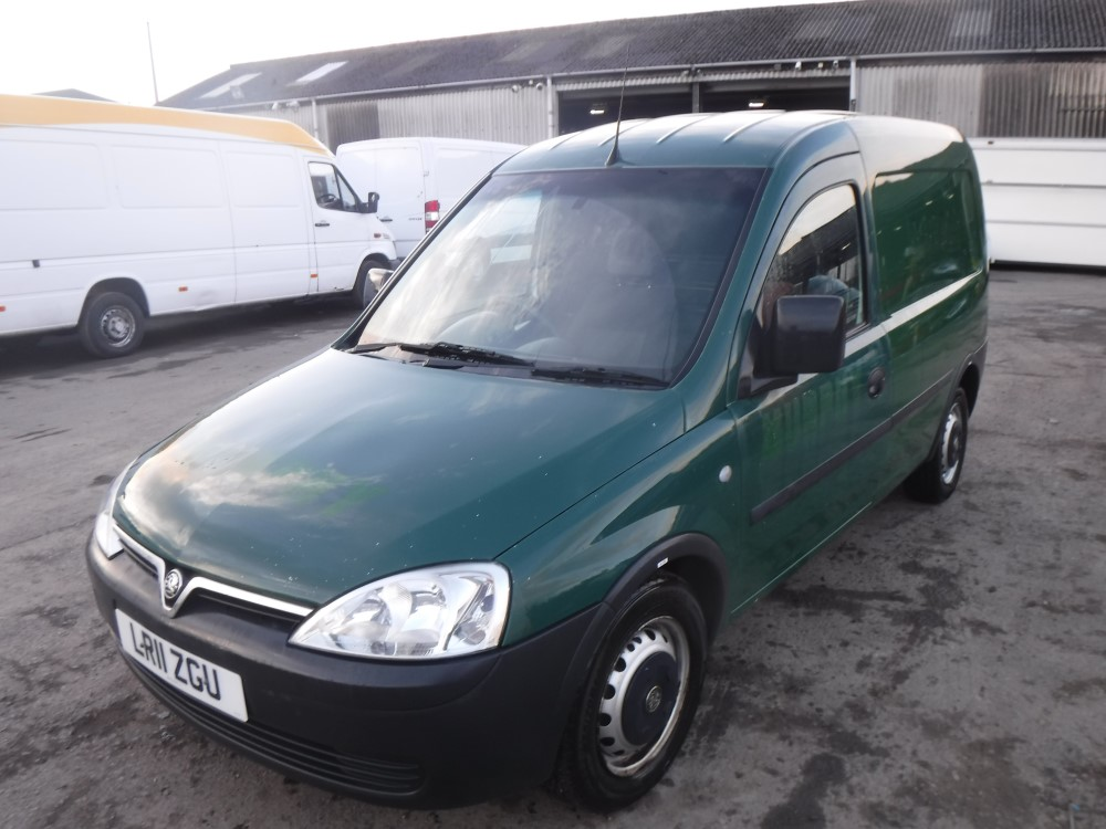 11 reg vauxhall combo 1700 cdti 1st reg 03 11 test 03 18. Black Bedroom Furniture Sets. Home Design Ideas