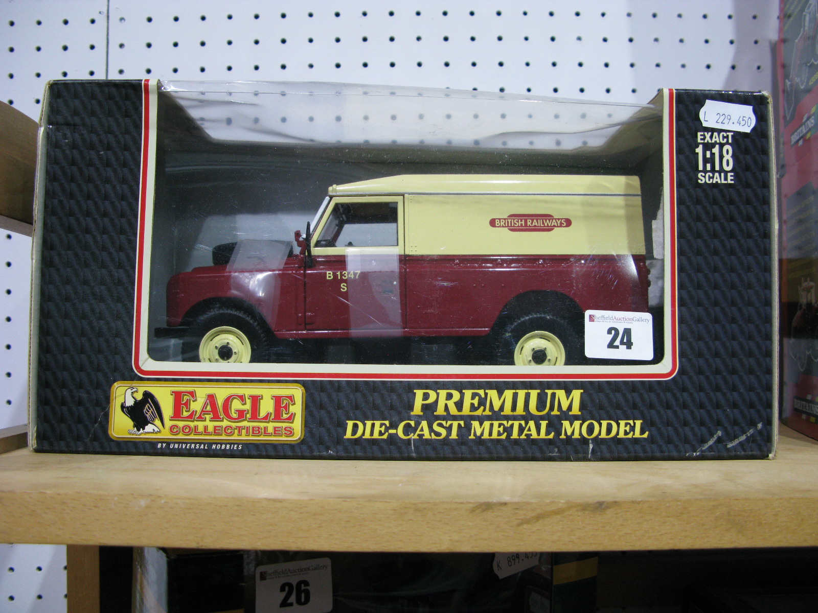 Lot 24 - A Boxed Eagle Collectables 1:18th Scale Diecast Model #441700 Land Rover Series II 109 hard Top '