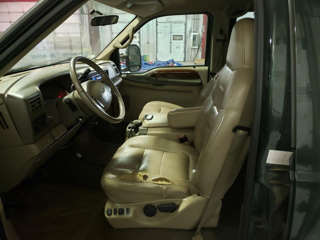 Lot 142 - 2001 Crew Cab 4x4 Pickup with Snow Plow