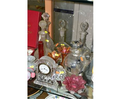 A GROUP OF LATE VICTORIAN AND 20TH CENTURY GLASSWARE, including a Waterford Crystal quartz clock, bears etched mark to the un