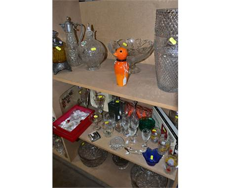 A GROUP OF GLASSWARE, to include a studio glass Strombergshyttan, Sweden orange bird, height 17cm, a Stuart Crystal footed bo