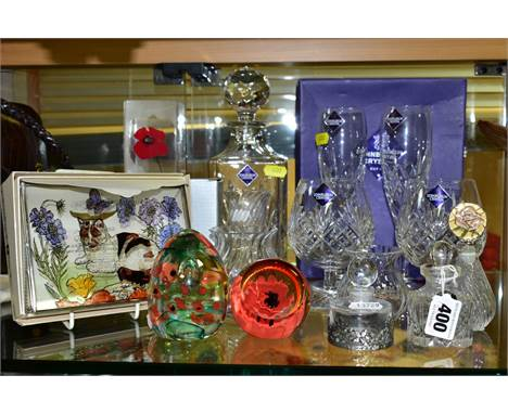 A SMALL QUANTITY OF MODERN GLASSWARE, including Caithness 'Red Poppy' and 'Poppy Meadow' paperweights, a boxed Decorative Sta
