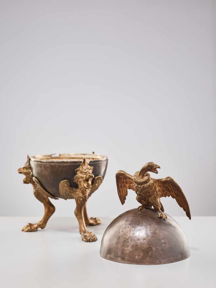 A 19TH CENTURY RUSSIAN LIDDED BOX 'EAGLE ON ORB'Silverplate metal and gilt bronzeRussiaaround 1830- - Image 8 of 11