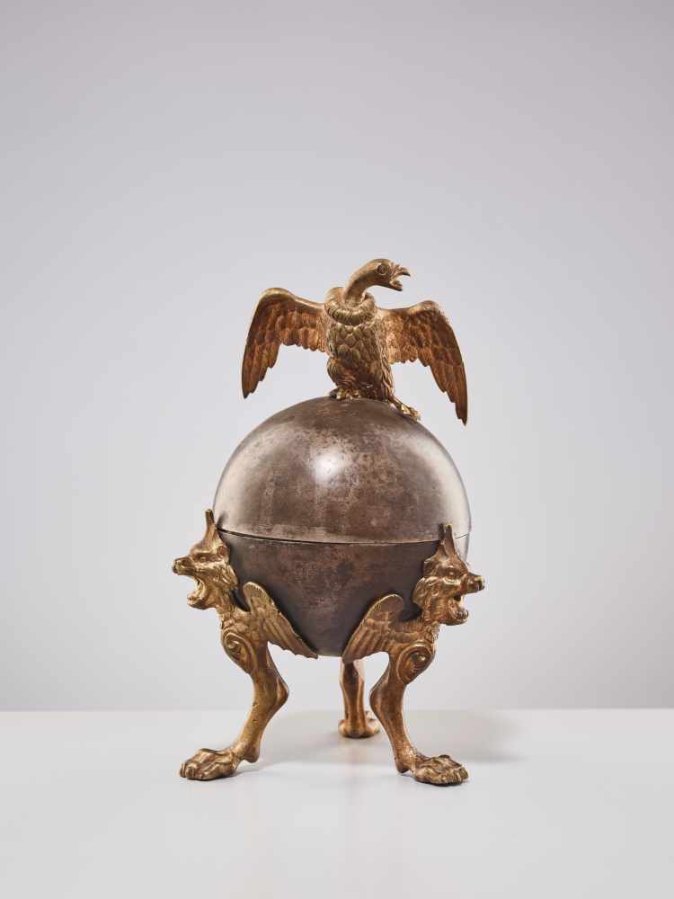 A 19TH CENTURY RUSSIAN LIDDED BOX 'EAGLE ON ORB'Silverplate metal and gilt bronzeRussiaaround 1830-