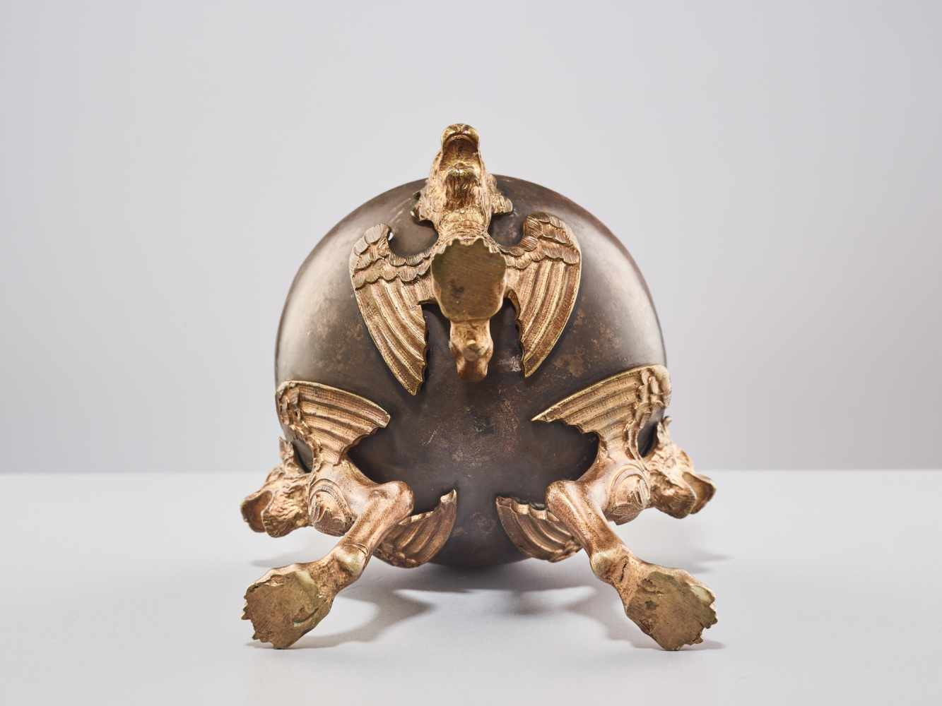 A 19TH CENTURY RUSSIAN LIDDED BOX 'EAGLE ON ORB'Silverplate metal and gilt bronzeRussiaaround 1830- - Image 11 of 11
