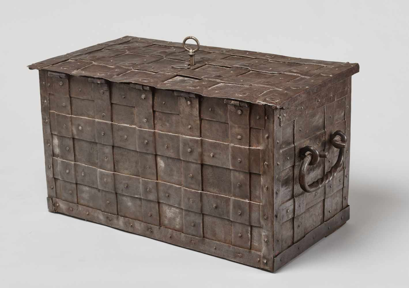 A 17th CENTURY GERMAN WROUGHT IRON 'ARMADA' CHEST WITH MERMAIDSWrought iron, paintGermany17th - Image 12 of 16