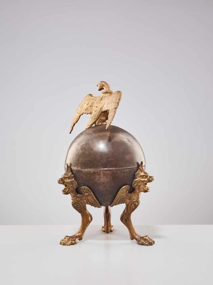 A 19TH CENTURY RUSSIAN LIDDED BOX 'EAGLE ON ORB'Silverplate metal and gilt bronzeRussiaaround 1830- - Image 7 of 11