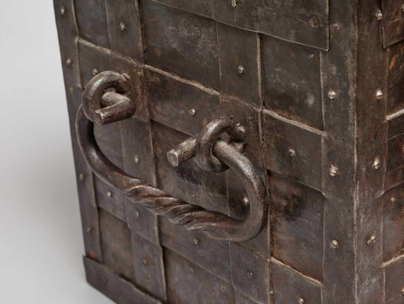 A 17th CENTURY GERMAN WROUGHT IRON 'ARMADA' CHEST WITH MERMAIDSWrought iron, paintGermany17th - Image 5 of 16