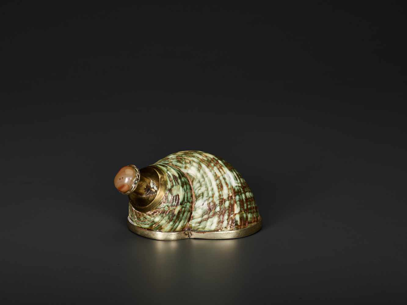 TURBO CONCH PERFUME CONTAINER WITH AGATE STOPPER, 19th CENTURYTurbo conch, silver plate metal and