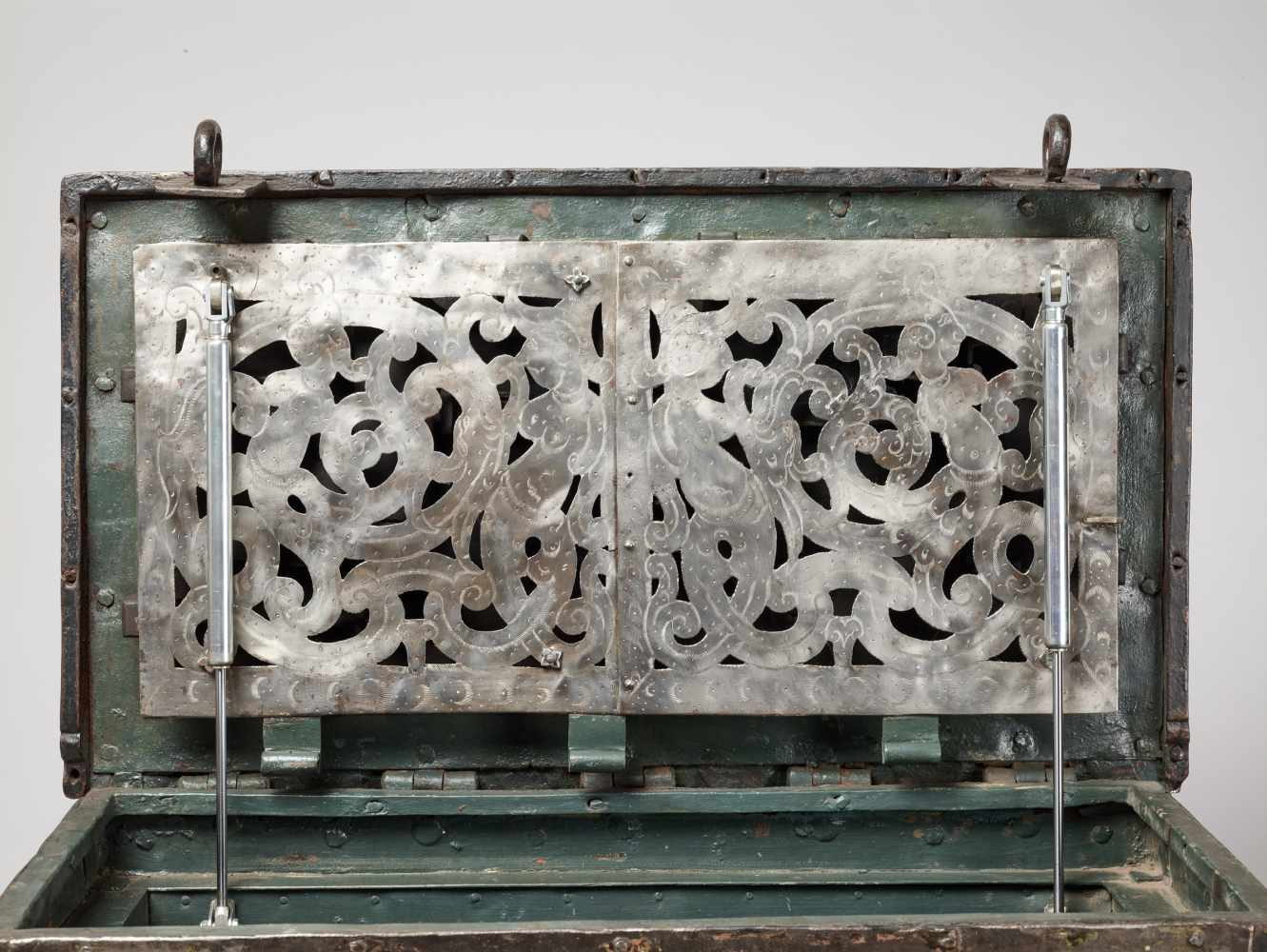 A 17th CENTURY GERMAN WROUGHT IRON 'ARMADA' CHEST WITH MERMAIDSWrought iron, paintGermany17th - Image 9 of 16