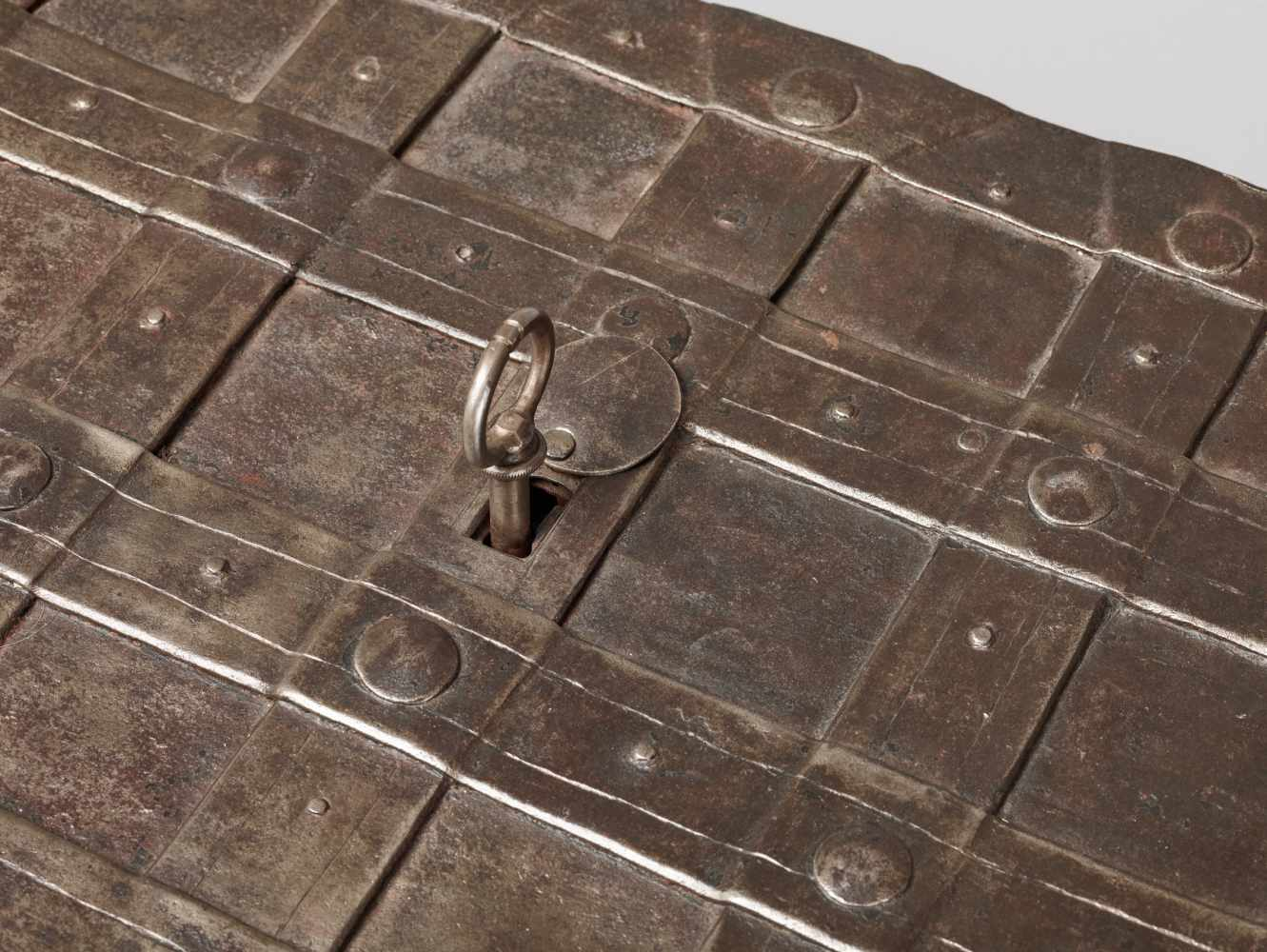 A 17th CENTURY GERMAN WROUGHT IRON 'ARMADA' CHEST WITH MERMAIDSWrought iron, paintGermany17th - Image 4 of 16