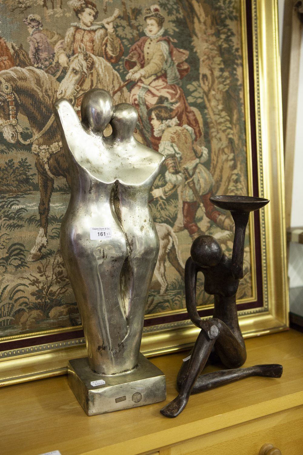"""Lot 161 - MODERN CAST PLATED METAL ABSTRACT STATUE, TWO EMBRACING FIGURES, SQUARE PLINTH BASE, 1' 10"""" HIGH AND"""
