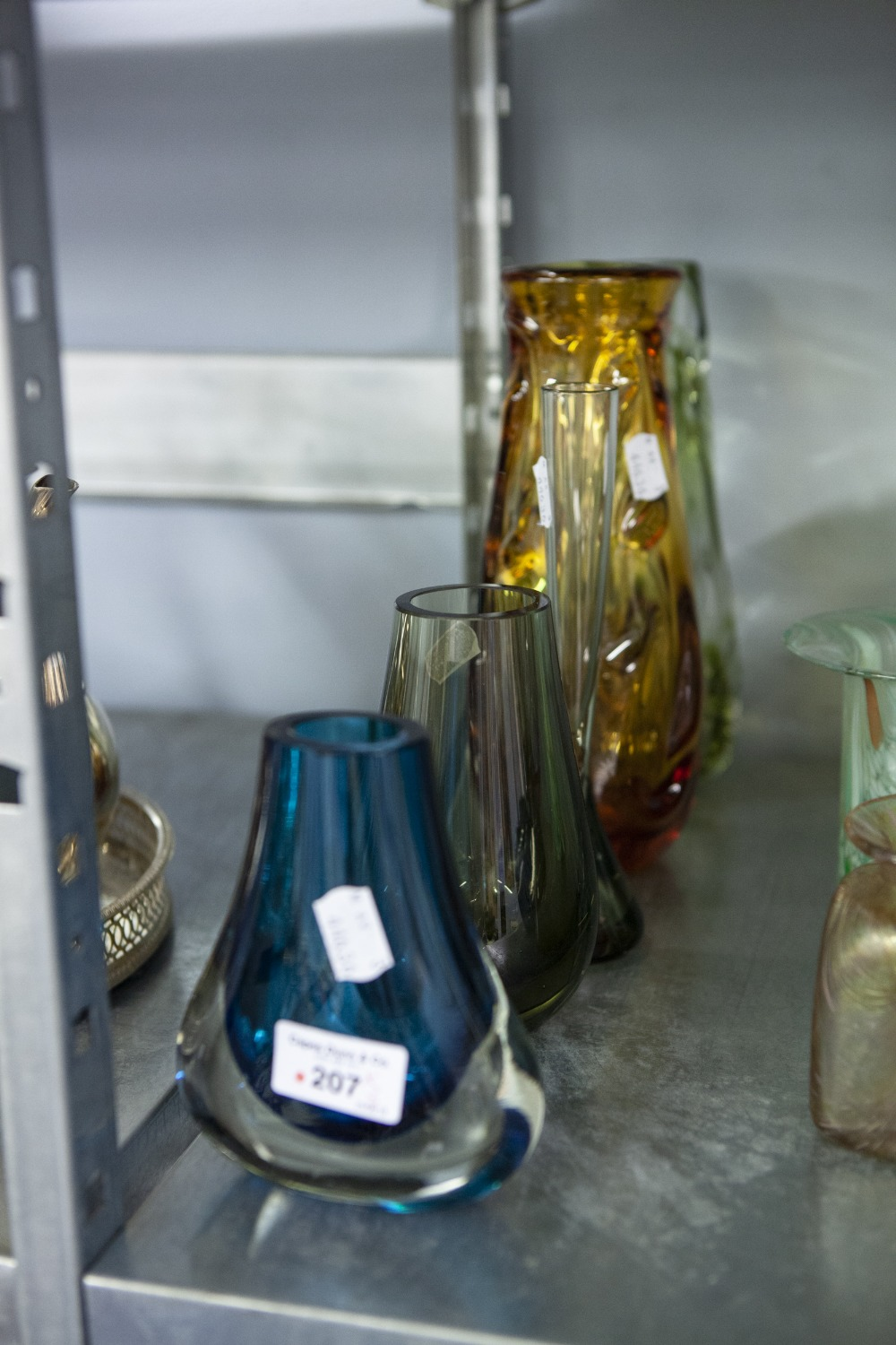 Lot 207 - A WHITEFRIARS NOBBLY GLASS VASE, ANOTHER NOBBLY VASE AND THREE OTHER PIECES OF WHITEFRIARS