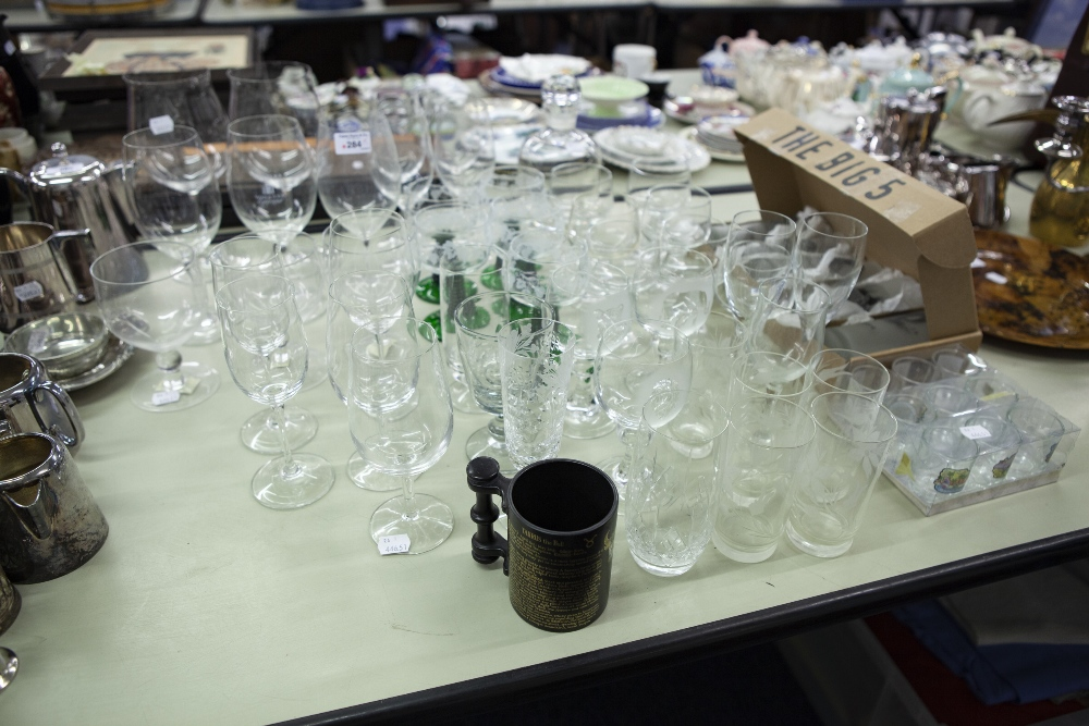 Lot 284 - SUNDRY STEM WINES AND AND OTHER DRINKING GLASSES AND A BOXED SET 'THE BIG FIVE' TALL TUMBLERS,