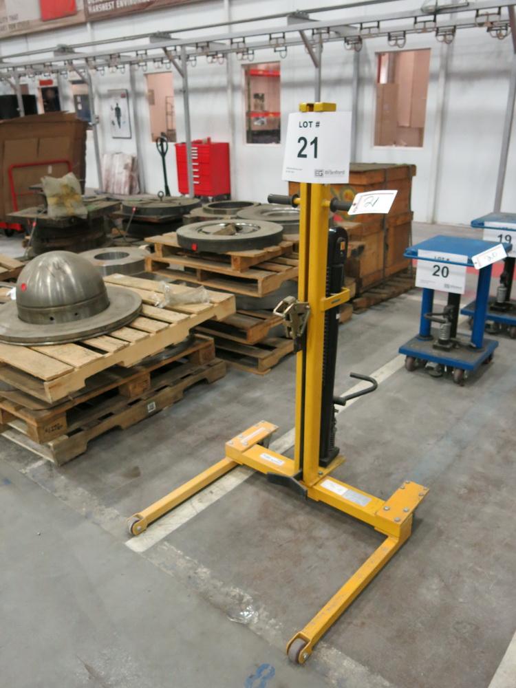 Lot 21 - 2014 Hydraulic 55-Gallon Drum Lifter, 600 Lb Cap.