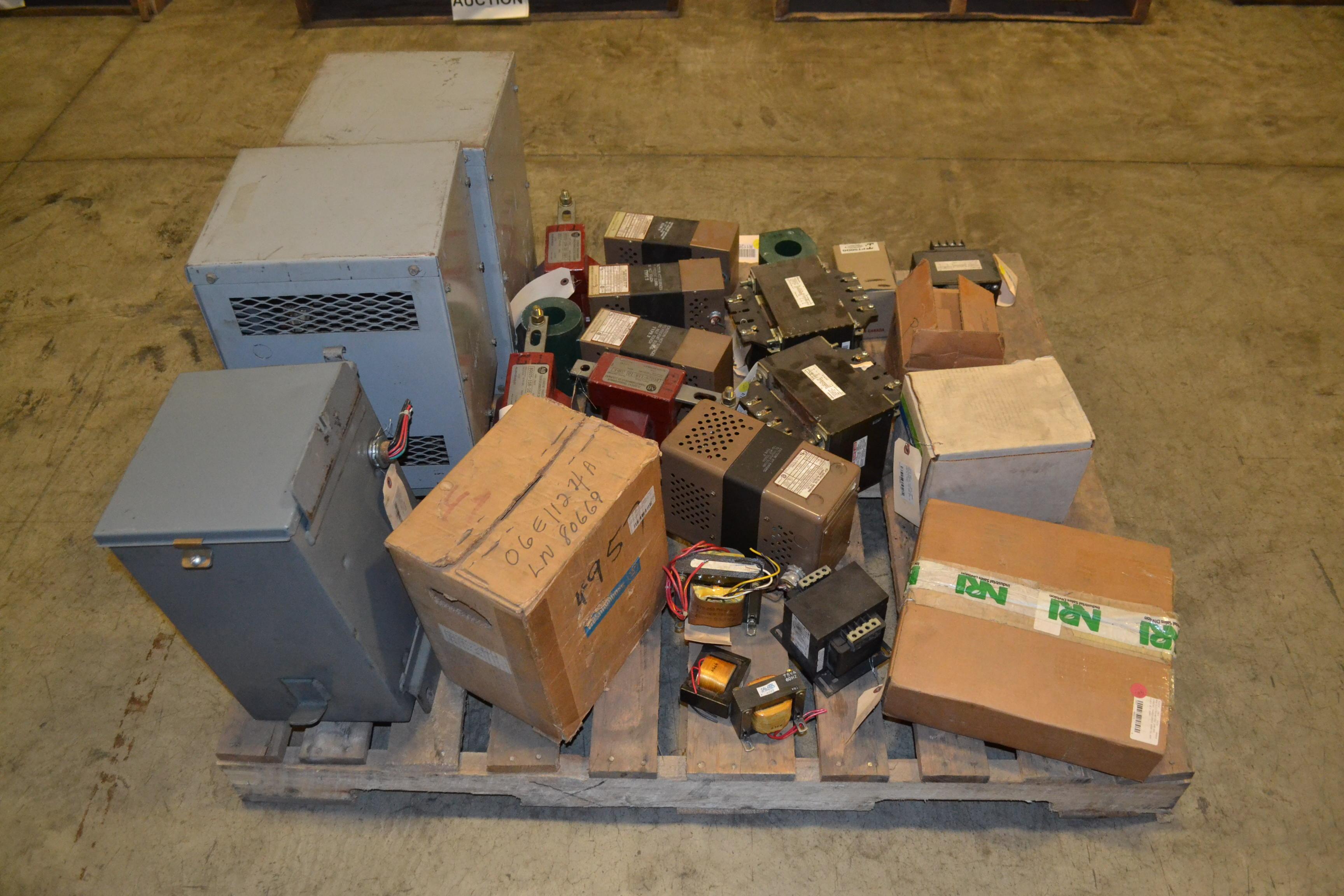 1 pallet of assorted transformers sola ab. Black Bedroom Furniture Sets. Home Design Ideas