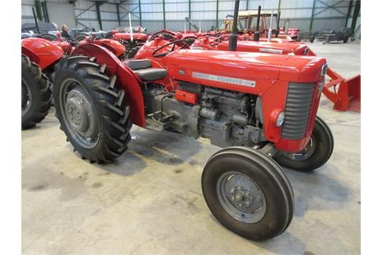 1961 MASSEY FERGUSON 65 Mk II 4cylinder Diesel TRACTOR Reg No 936 CEW Serial SNDY 543913 The