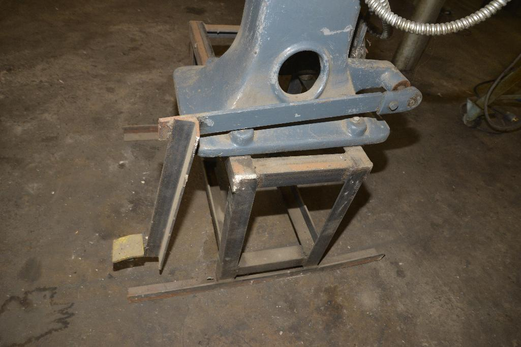 Lot 54 - STAHL ROTARY MACHINE - COMBINATION SHEET METAL, MACHINE, BEDDING, FLANGING, NO. 14 GA. CAP. - 240/