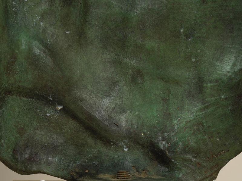 Los 54 - Igor MITORAJ (1944-2014) - Persée - Sculpture en bronze à patine verte - Signé et [...]