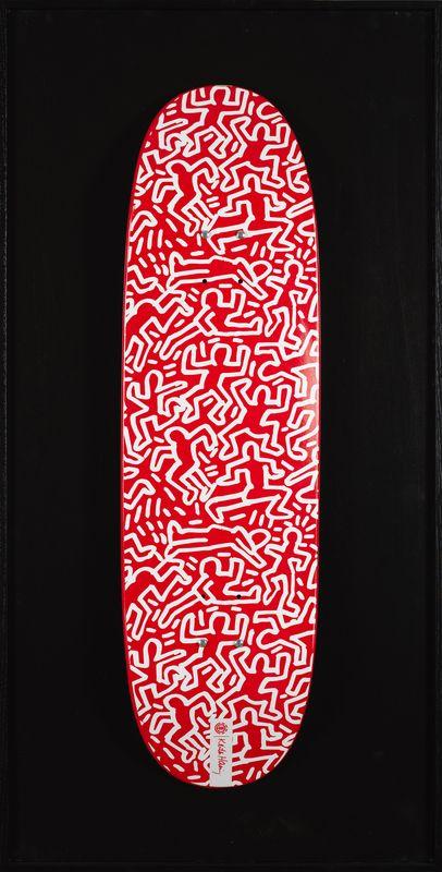 Keith HARING (1958-1990) - Sans titre, 1990 (fond rouge) - Impression sur skateboard [...]